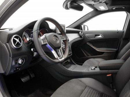 Mercedes GLA 2014 фото салона