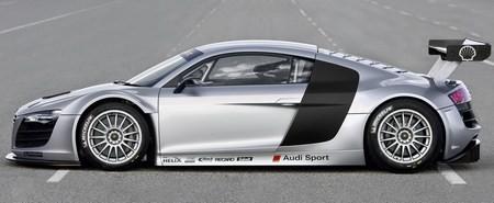 Audi R8 фото сбоку