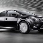 новый Toyota Avensis