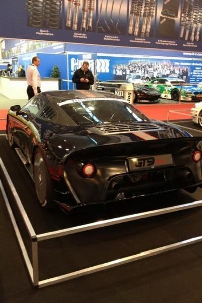 GT9 Vmax фото сзади