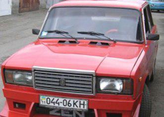 Простая решетка радиатора Жигули ВАЗ 2107