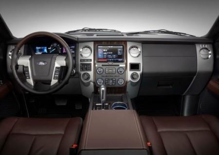 Ford Expedition приборная панель