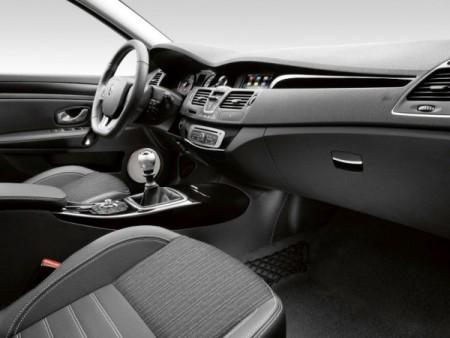 Renault Laguna 2014 Cалон