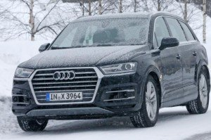 Audi SQ7 заметили на тестах без камуфляжа