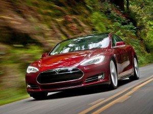 Tesla Motors выпустила рекордные 10 030 авто