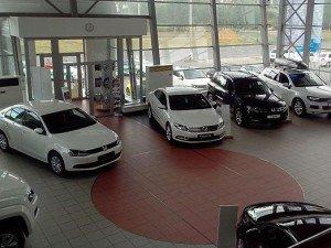 автомобильный рынок «просел» на 42,5 %