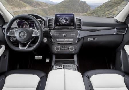 кроссовер Mercedes-Benz GLE cалон