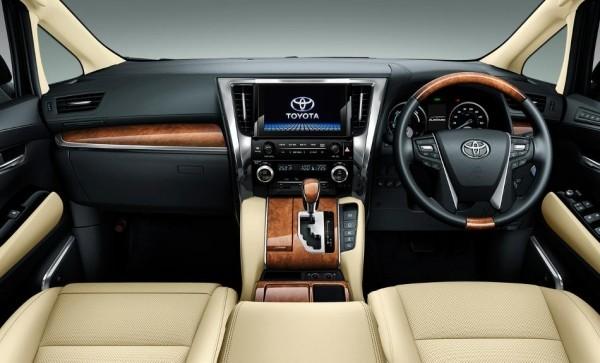 Toyota Alphard салон