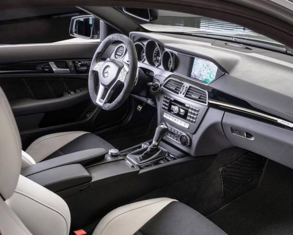Mercedes C63 AMG Edition 507 фото салона