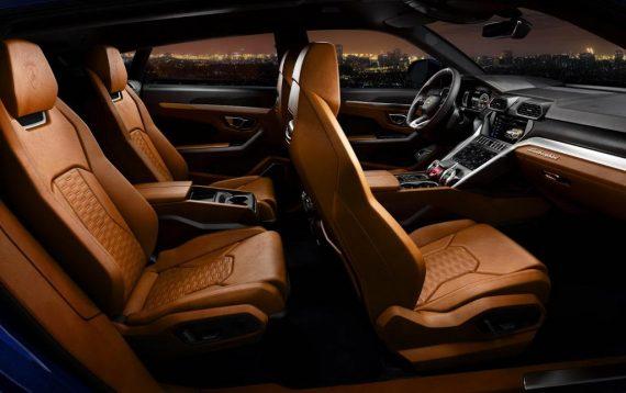 Lamborghini Urus фото салона