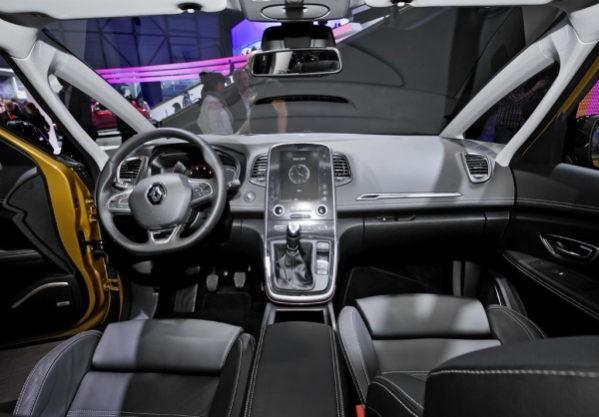 Renault Scenic фото салона