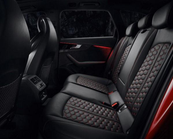 Audi RS4 Avant фото салона
